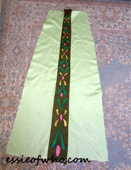 anna coronation dress skirt lining2